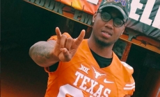 Syracuse TE Kendall Moore Transfers To Texas